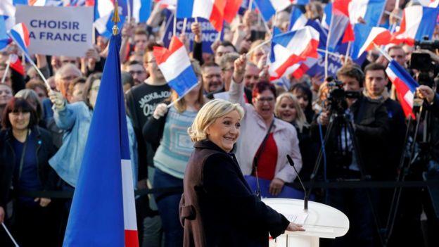 Marine Le Pen attends a