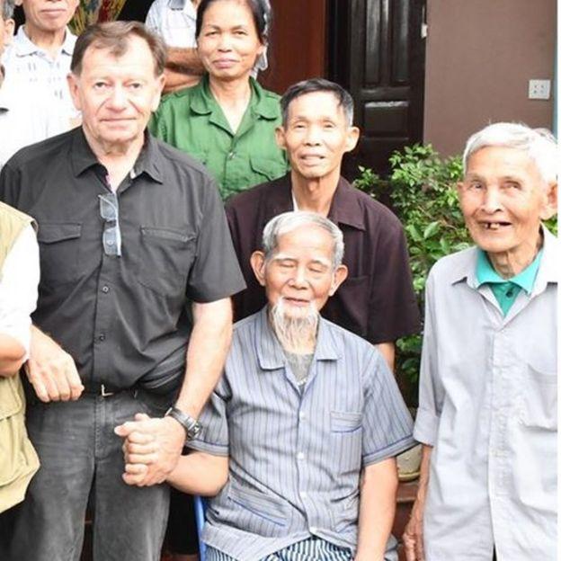 Ông Andre Menras gặp cụ Lê Đình Kình cuối năm 2019