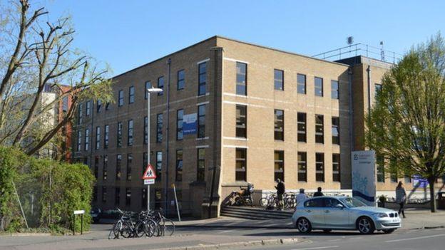 Anglia Ruskin Universiteti.