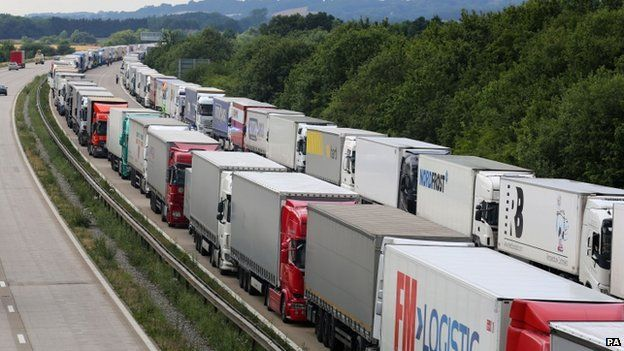 Lorries stacked on a southbound section of the M20