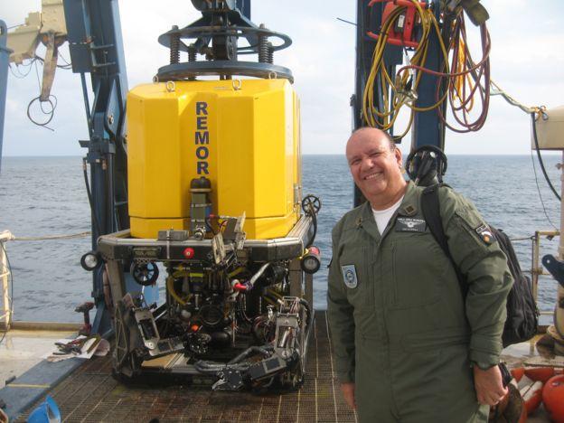 Luis Claudio Lupoli e o robo submarino Remora 6000