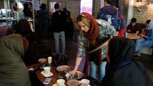 ร้านกาแฟในอิหร่าน
