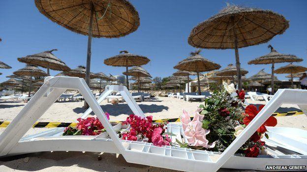 Blodau ar y traeth yn Sousse, Tunisia