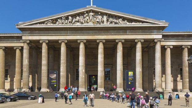 Entrada principal del Museo Británico.