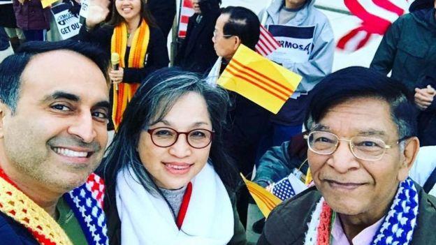 Dân biểu Ash Kalra cùng cộng đồng người Việt tại San Jose tại một buổi biểu tình phản đối Formosa