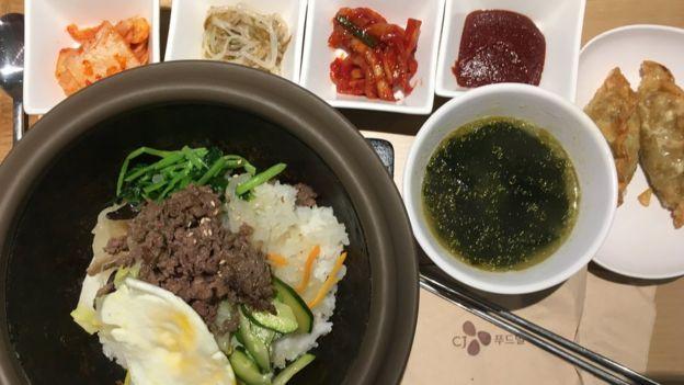 Tổng thống Hàn Quốc ăn cơm trưa 3 đô la