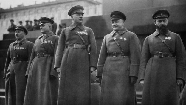 Yan Gamarnik, Mikhail Tukhachevsky, Kliment Voroshilov, Alexander Yegorov và Genrikh Yagoda,