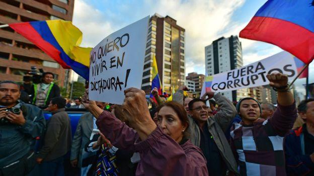 Protesta contra Correa