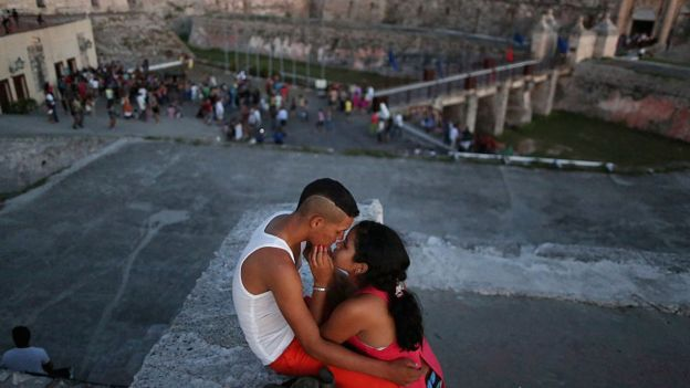 """Картинки по запросу Кубинские власти объявили о возвращении в Гавану """"отелей любви"""""""