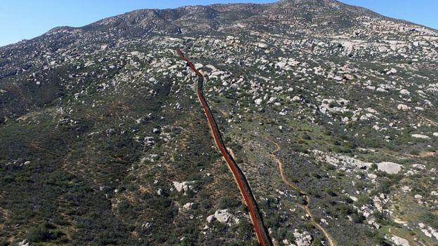 Parte del muro fronterizo