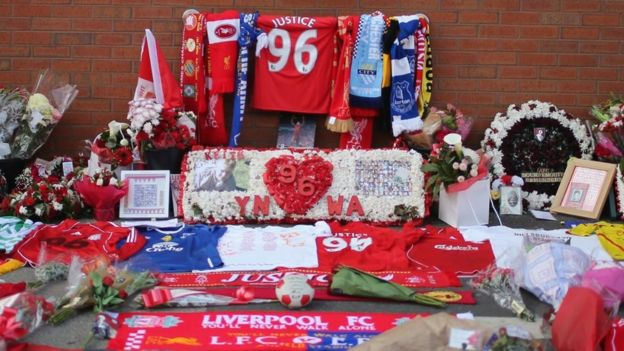 Floral tributes showing 96