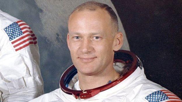 Retrato do astronauta Buzz Aldrin quando ele foi à Lua