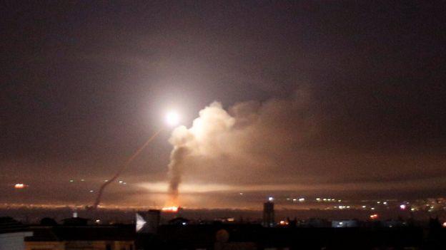 在大馬士革上空的導彈