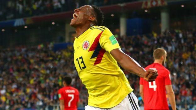 Yerry Mina celebra el gol de la vida para Colombia.