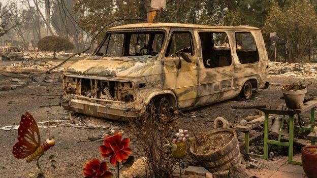 俄勒岡州一輛被燒燬的廂型車(Credit: GETTY IMAGES)