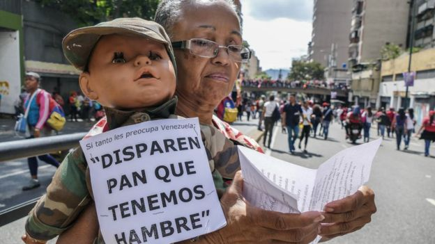 Opositores y partidarios del gobierno se movilizaron en Venezuela este jueves, con motivo de la toma de posesión de Maduro.