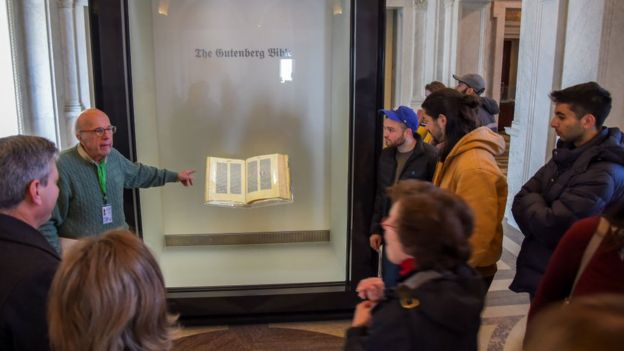 Biblia de Gutenberg en la Biblioteca del Congreso de Estados Unidos.