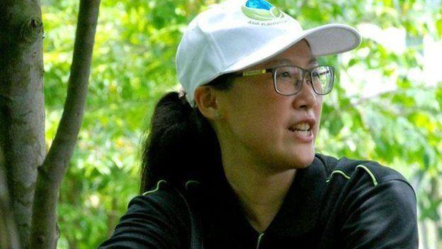 Công ty Asia Plantation Capital cung cấp các tour du lịch tới các công viên địa phương để giáo dục du khách về cây trầm hương đang bị nguy kịch.