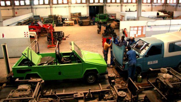 L'usine d'assemblable de la Karenjy à Madagascar