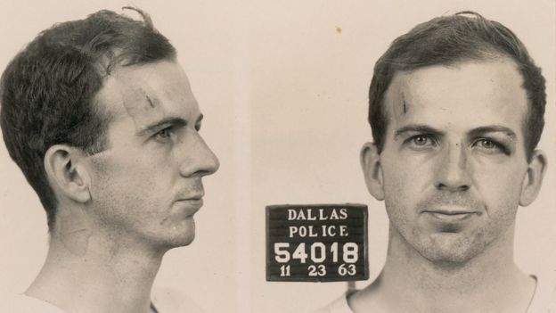 Ли Харви Освальд, фотография при задержании