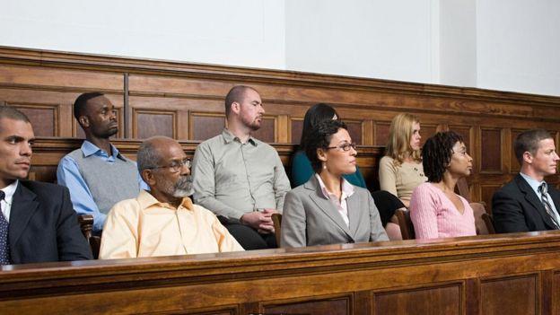 مجموعة من المحلفين