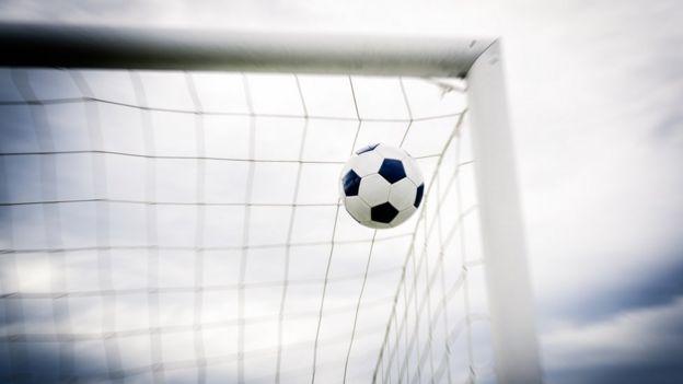 99efe2655eb63 Por que o gol olímpico é tão raro em Copa do Mundo - BBC News Brasil