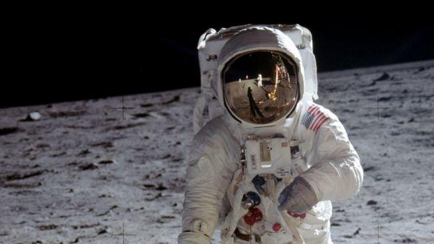 Edwin 'Buzz' Aldrin na Lua