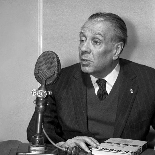 Borges en una entrevista con la BBC en 1963