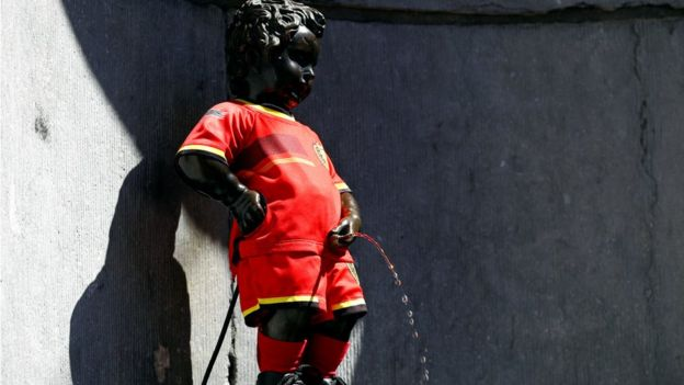 Estátua do Manneken Pis em Bruxelas