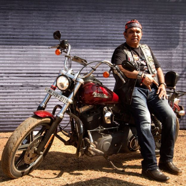 Motorcycle diaries: The new wave of Indian bikers - BBC News