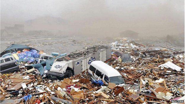 Path of tsunami debris mapped out