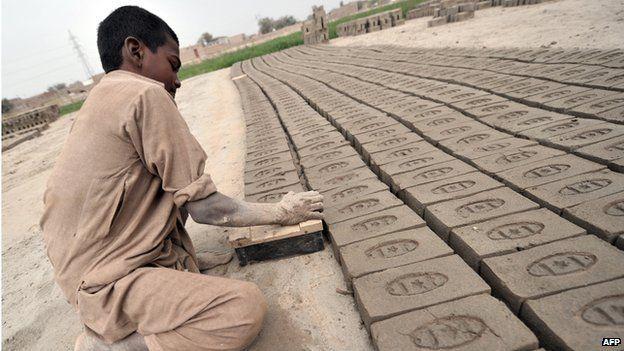 Pakistani child labourer Arif, 11