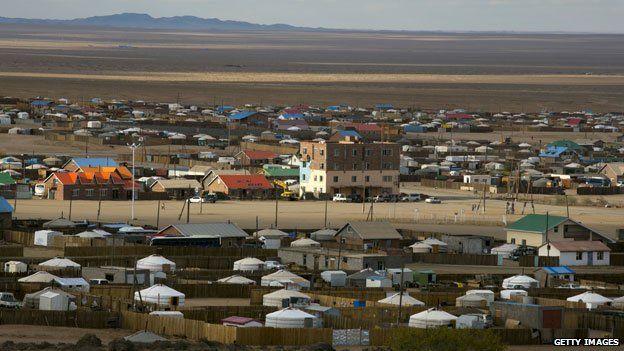 Mongolia - community grown up around Oyu Tolgoi mine