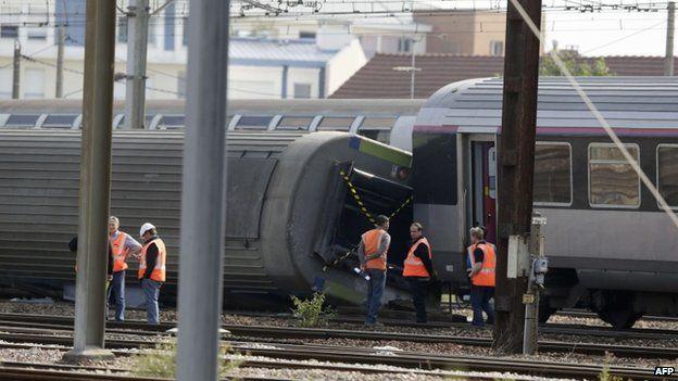 Scene of train crash south of Paris, 13 July 2013