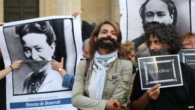 Feminist activists outside the Pantheon in Paris (26 August 2013)