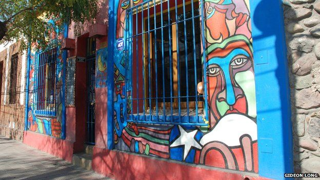 Bar decorated with a BRP mural in Santiago de Chile