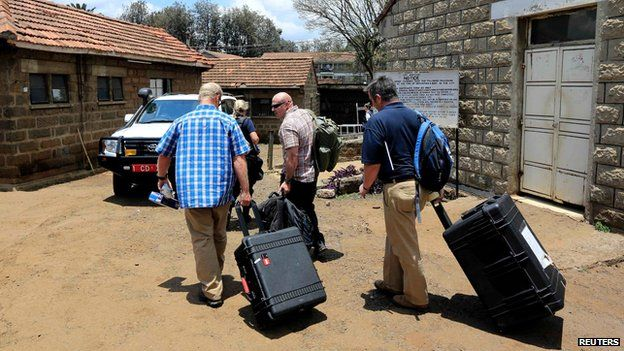 Forensics experts arrive at Nairobi City Mortuary on 26 September 2013