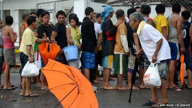 People waiting for aid