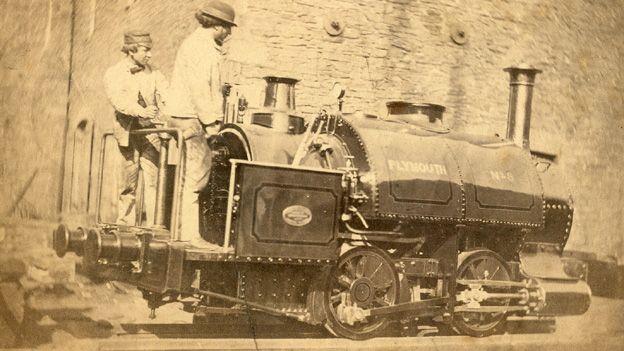 Fe gaeodd y gwaith yn 1885
