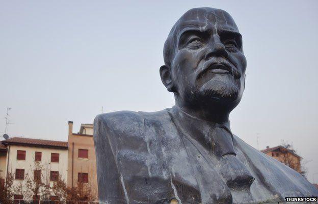 Bust of Lenin in Cavriago