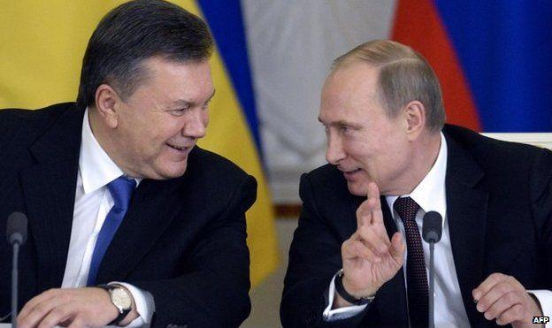 December 2013 picture of Vladimir Putin with Viktor Yanukovych