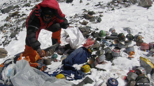 Nepal rubbish collectors 2010