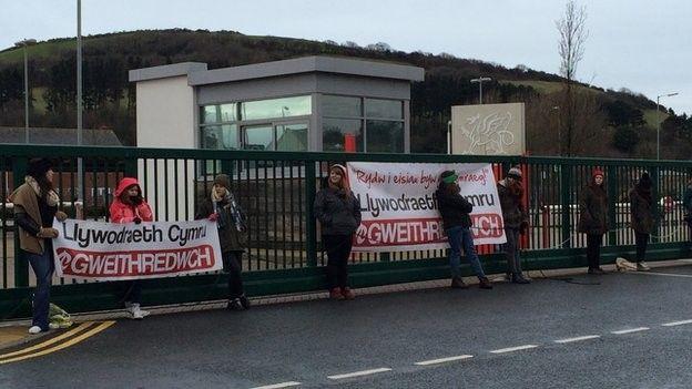 Protest Cymdeithas yr Iaith yn Aberystwyth