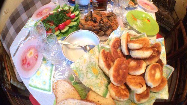 Lunchtable in Yevapatoria, Crimea