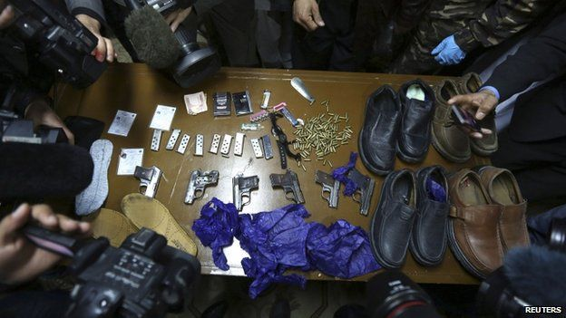 Weapons arsenal in Kabul (21 March 2014)