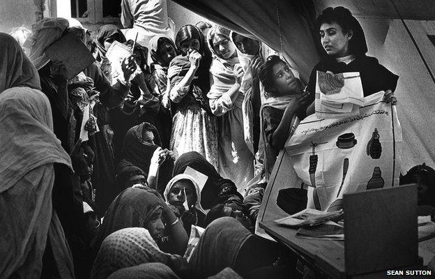 A mine awareness session in Hesare Shahi refugee camp, Jalalabad, Afghanistan, 1994