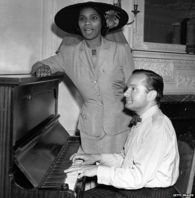 25th June 1949: Marian Anderson, American contralto (1897 - 1993), rehearses with pianist Franco Rupp, at her hotel in London. for a concert performance at Covent Garden, London
