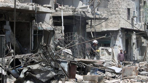 Site of a bombed building in Aleppo (20 April 2014)