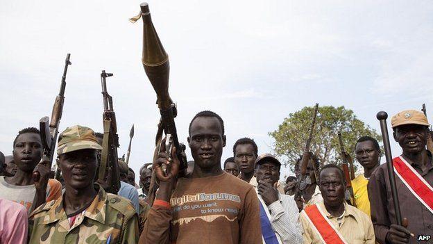 Members of an anti-government militia in Nasir (14 April 2014)