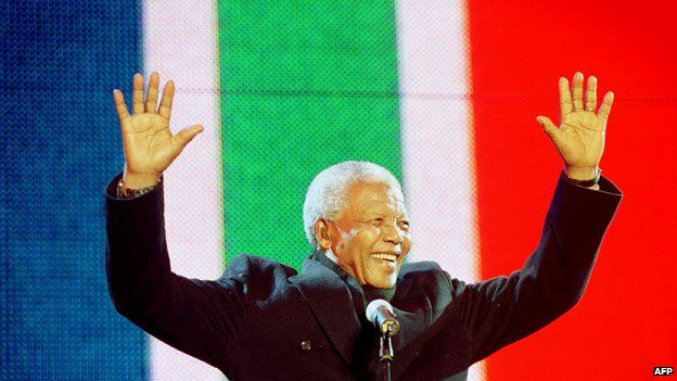 Nelson Mandela at the Celebrate South Africa concert in Trafalgar Square London 2001